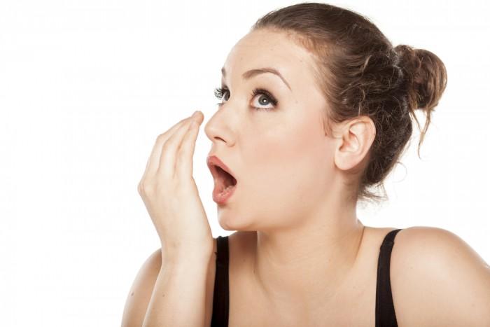 cách chữa bệnh hôi miệng đơn giản