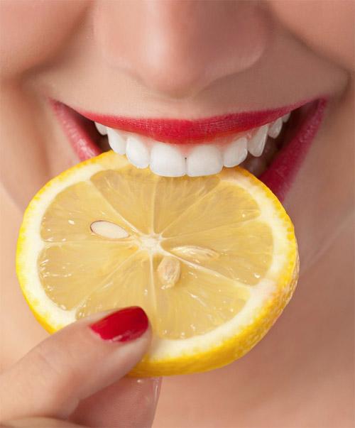 Làm gì để răng trắng hơn 2