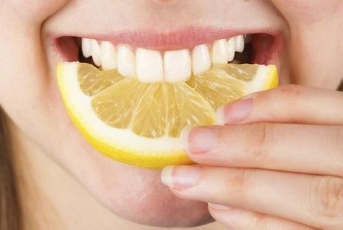 Cách tẩy trắng răng hiệu quả 2
