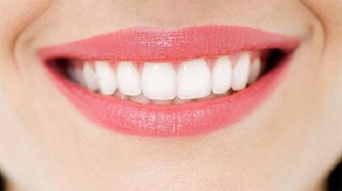 Tẩy trắng răng bằng laser 2