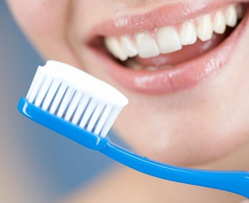 Lựa chọn bàn chảy đánh răng